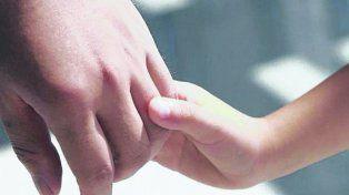 vínculo. Sólo en las últimas semanas se anotaron unas 150 parejas para adoptar en la provincia