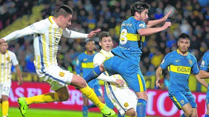 Botín derecho y adentro. El buen centro de Gil (uno de tantos) desde la izquierda sobró a Pérez y llenó el pie de Caramelo Martínez. Sara no pudo hacer nada.