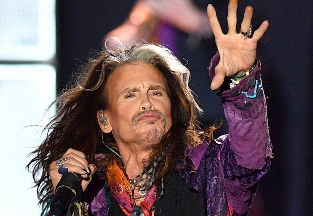 Steven Tyler tuvo problemas de salud y Aerosmith debió cancelar cuatro fechas de AeroVederci Tour.