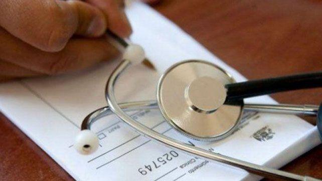 Diputados provinciales dieron media sanción al proyecto para prohibir el cobro del plus médico.