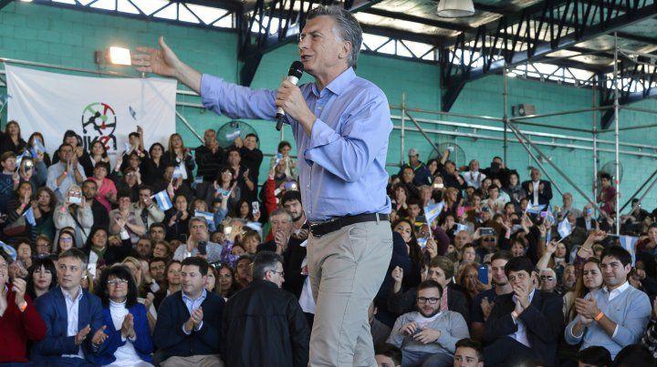 De campaña. El presidente visitó las provincias de San Luis y Mendoza.