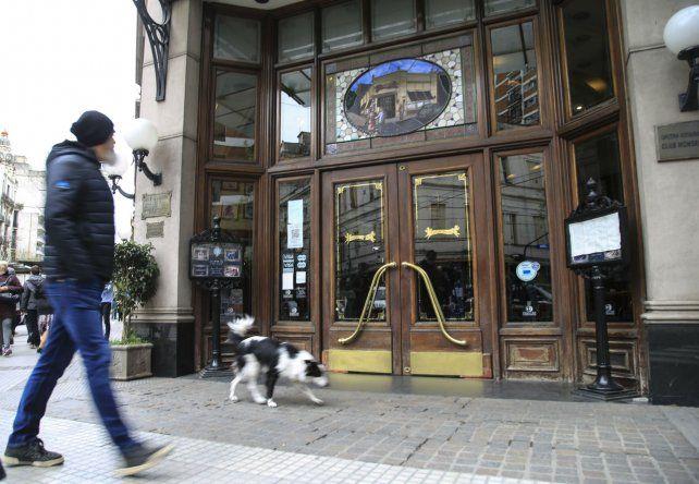 Café de los angelitos. El mítico bar de avenida Rivadavia y Rincón.