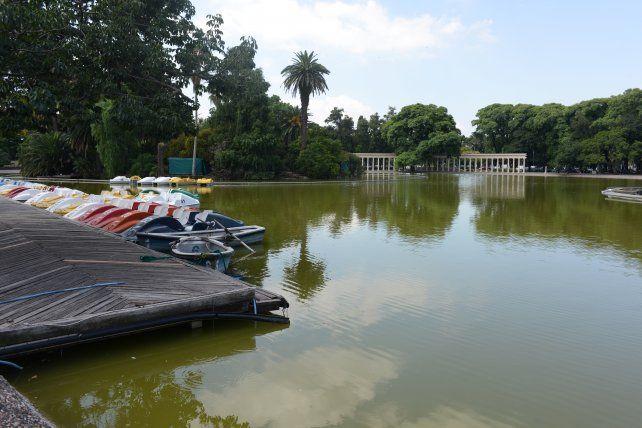 El confuso y violento episodio sucedió en la zona del laguito del Parque Independencia.