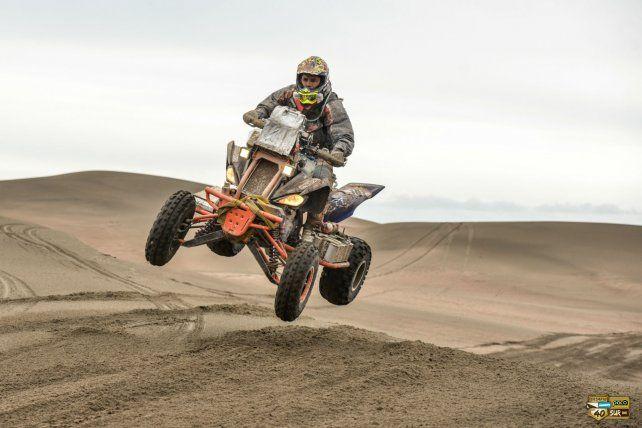 A acelerar. Charly Joffre contó que los médanos son su fuerte. El Dakar será pura arena en Perú.