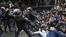 mas de 300 heridos en cataluna por la represion durante el referendum en barcelona