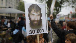 30.001. Con carteles y pancartas, se realizó una multitudinaria movilización por Maldonado.