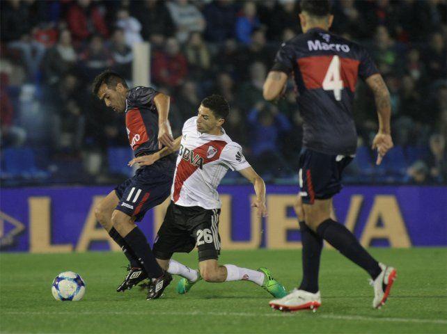 Empatados. River y Tigre igualaron en Victoria en un partido reñido y con penales.