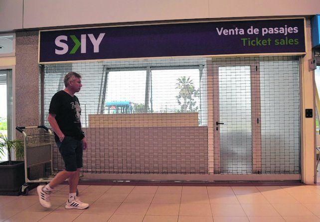 Todo listo. La línea aérea chilena Sky ya tiene su oficina en el aeropuerto.