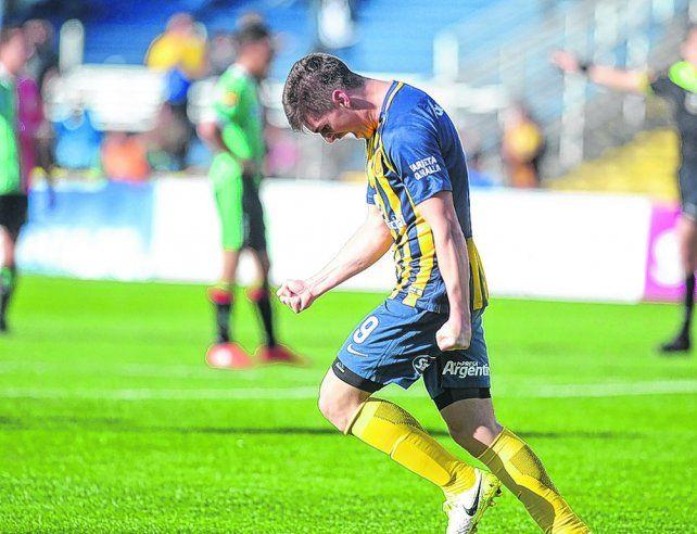 Goleador. El juvenil Coscia le marcó un tanto a Atlético de San Jorge en la semifinal. Mañana buscará repetir en Rafaela.