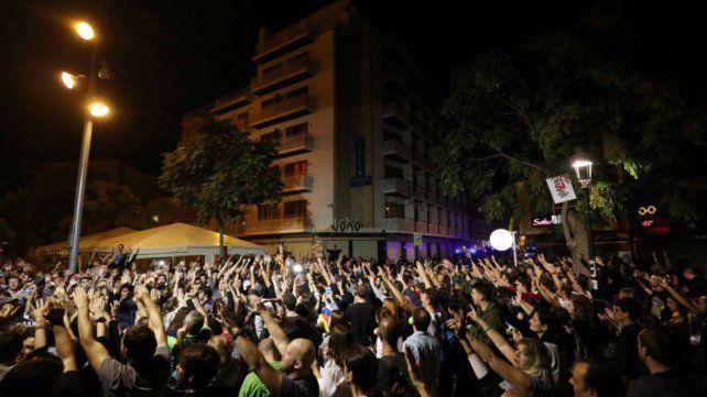 Denuncian ataques y acoso contra la policía española