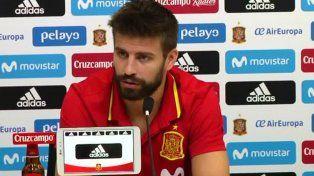 Piqué pidió diálogo en Cataluña y dijo que seguirá en la selección española