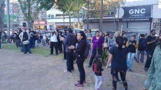 Manifestación. Unas 100 personas participaron del reclamo frente a la sede de Gendarmería.