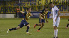 Grito de gol. La alocada celebración de Coscia tras su golazo en el final del juego.