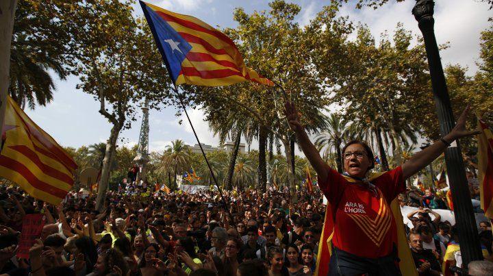 La Justicia española suspende el plenario de la independencia en Cataluña