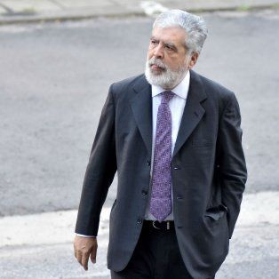 Como en casa. De Vido, que está siendo juzgado por la tragedia de Once, no para de ir a Tribunales.