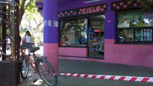 El local que hoy sufrió otro robo y donde hace dos años un ladrón mató a Rubén Figueroa. (Foto de archivo)