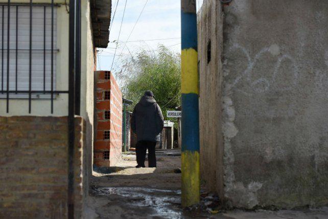 Uriburu 260. El pasillo donde estaba Verón cuando fue emboscado y acribillado a tiros la noche del viernes.