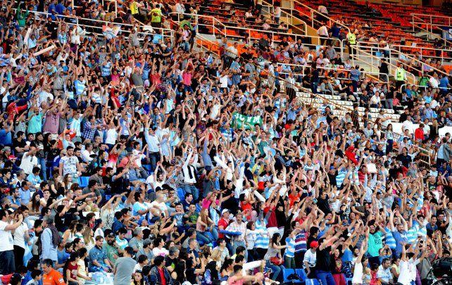 Las plateas del estadio mundialista estuvieron bastante completas