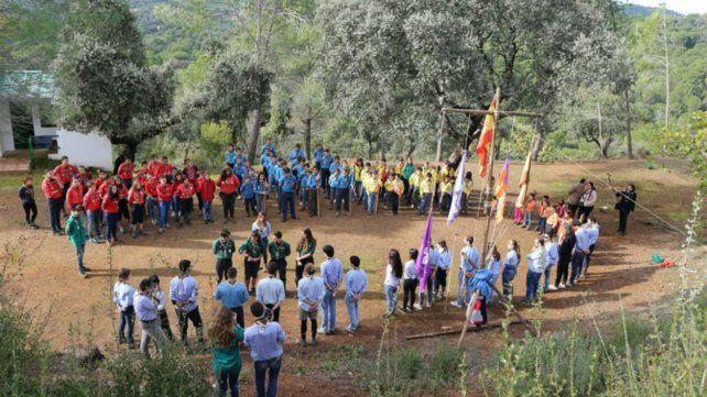 Un nene de 11 años murió aplastado por un árbol durante un campamento scout