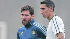 Siguen juntos. Di María permanecerá entre los titulares y acompañará a Messi. El ex canalla volverá a jugar por el sector izquierdo.