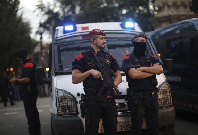 El gobierno español pide al presidente catalán que no haga nada  irreversible