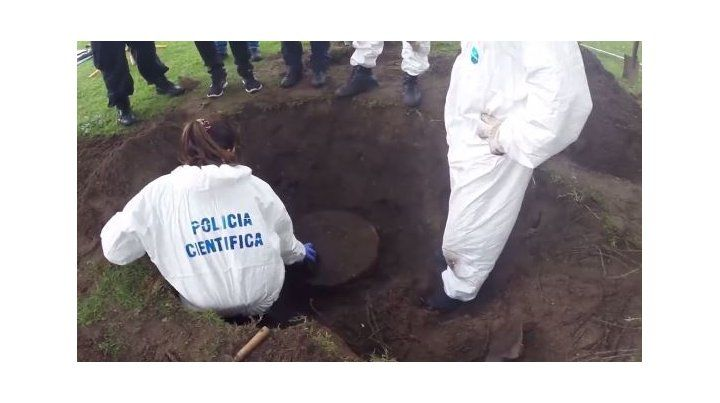 Qué había adentro del barril enterrado en la quinta del detenido Pata Medina