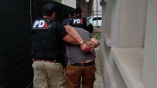 La PDI detuvo a dos personas que llevaban una ametralladora en su vehículo