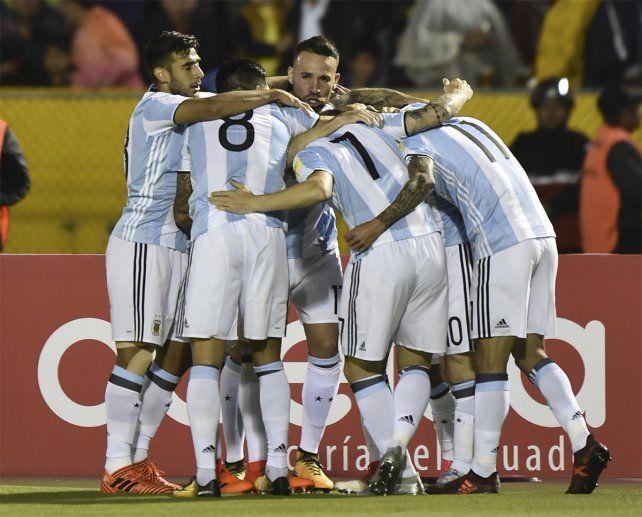 Con un Messi descomunal, Argentina le ganó a Ecuador y sacó pasaje directo al Mundial