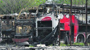 Génova y Sabín. Ayer hubo cinco coches destrozados.