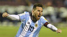 Con alma y vida. Lionel se llena la boca de gol para festejar en la noche ecuatoriana.