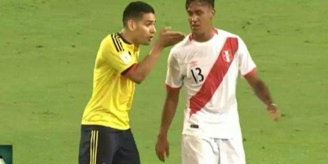 Las imágenes dan cuenta de un diálogo entre ambos jugadores.