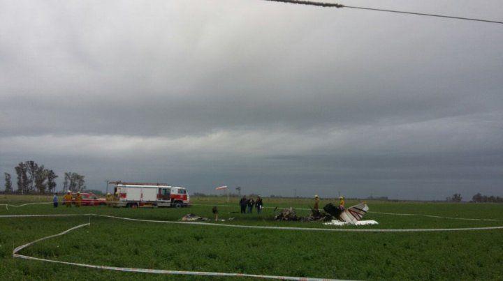 Impacto fatal. El piloto murió al estrellarse la avioneta y dejó sin luz al noroeste provincial.