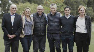 en fila. Macri y los candidatos santafesinos de Cambiemos al Congreso.