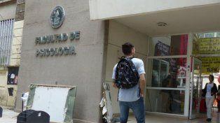 Escándalo en Psicología porque un alumno mandó a dos menores a buscar droga a un búnker