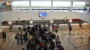 Ya son ocho los vuelos cancelados en el aeropuerto internacional de Fisherton