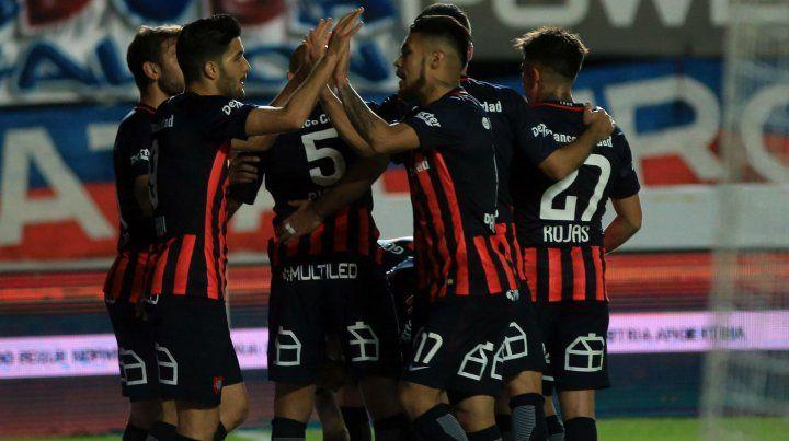 San Lorenzo venció a Defensa y Justicia por 3 a 1 en el Nuevo Gasómetro.