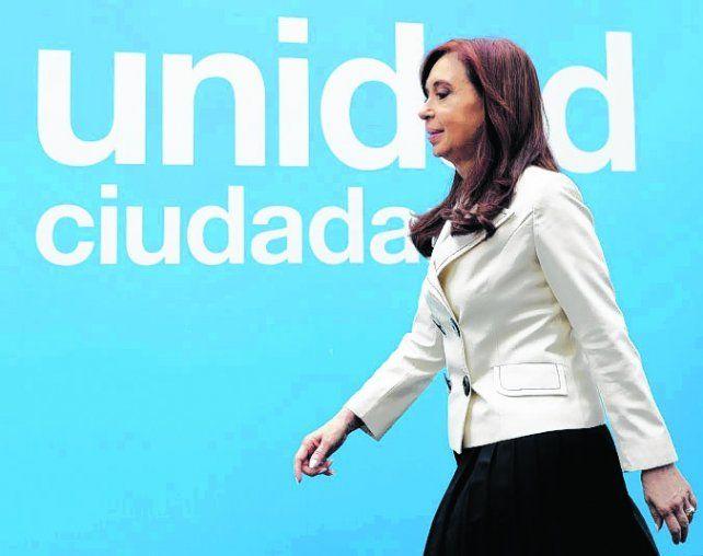 a la cancha. Cristina cierra hoy su campaña en el estadio de Racing.