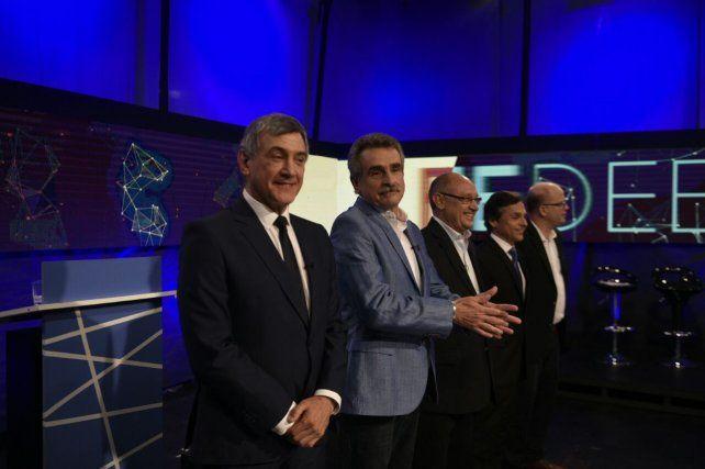 Promesas de campaña y un esfuerzo por subrayar diferencias, en las conclusiones finales