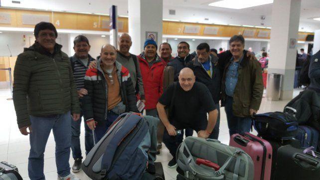 otros tiempos. Adrián Marrone (cuarto desde la izquierda) se dejó convencer y voló junto a nueve compañeros.