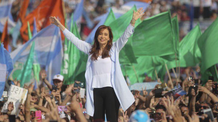 Cristina reunió una multitud en el cierre de campaña en Racing.