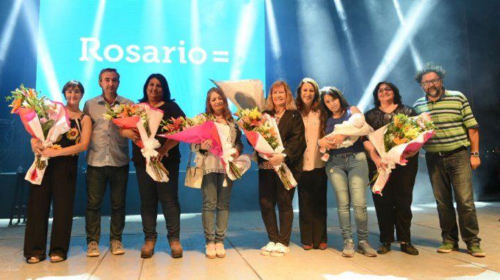 Seis madres recibieron reconocimientos especiales.