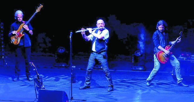 showman. Ian Anderson cautivó al público con sus canciones y su discurso sobre la religión y la pobreza.