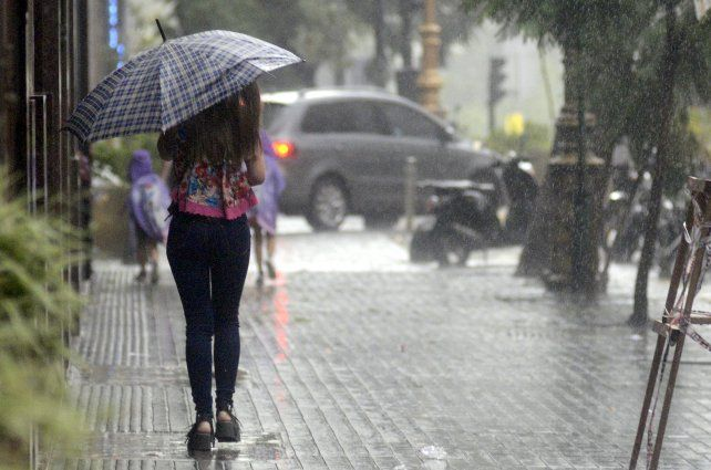 El alerta emitido por el Servicio Meteorológico Nacional regirá hasta alrededor de las 15.