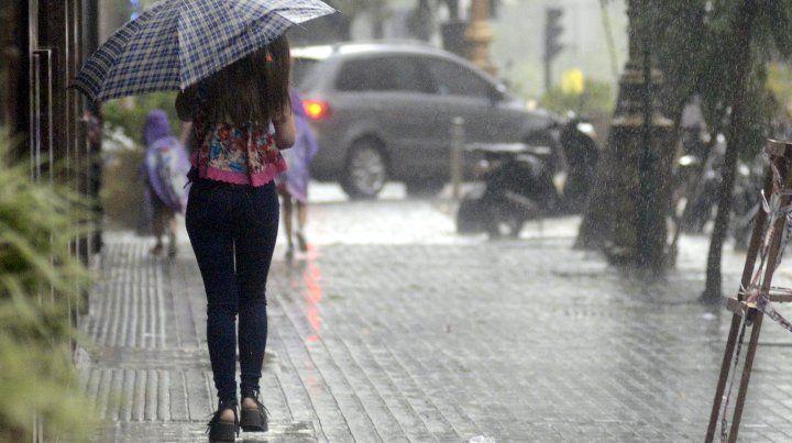 El martes arrancó con anuncios de lluvias.