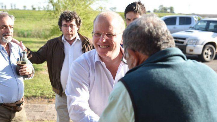 El candidato hizo hincapié en el valor del modelo de educación y salud públicas de la provincia.