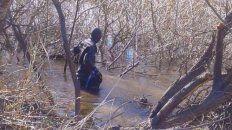hallan un cuerpo en el rio chubut e investigan si se trata de santiago maldonado