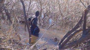 Hallan un cuerpo en el río Chubut e investigan si se trata de Santiago Maldonado