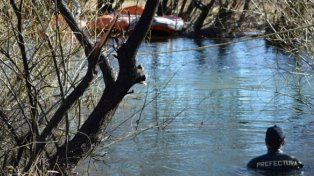 Buzos tácticos de Prefectura Naval encontraron un cuerpo en las aguas del río Chubut.
