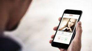 Un médico recién graduado se quedó sin licencia como consecuencia del uso de Tinder