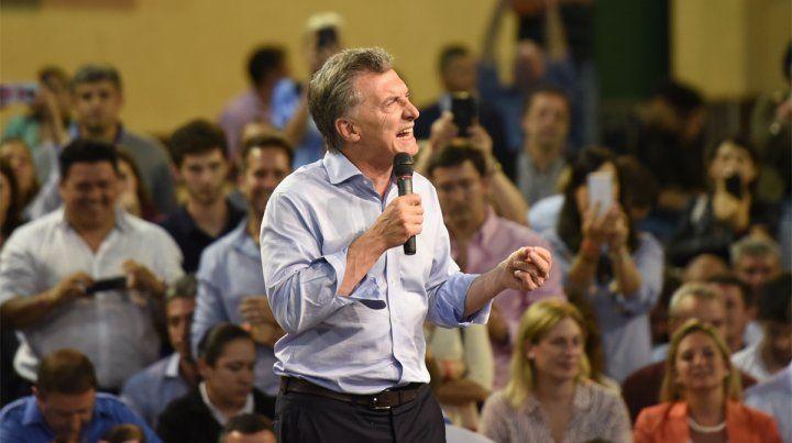 Paso fugaz. El presidente Macri dio un encendido discurso en el club Provincial.